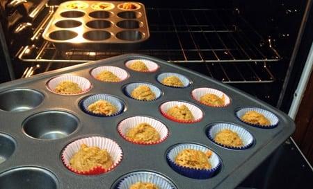 cupcakes para perros en el horno